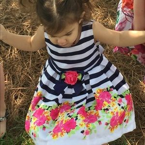 Girls 2t dress! Stripes and floral print 💐